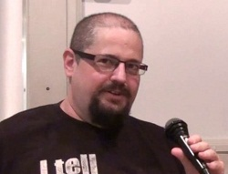 Charles Stross – Kontakt Interview